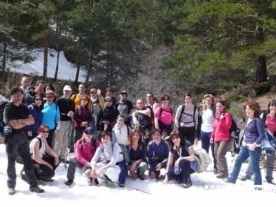Grupo en los Montes Carpetanos - gente viajera; viajes en febrero; viajes en mayo